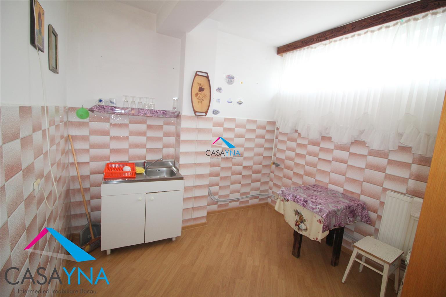 Garsoniera confort I, 60 mp utilI, zona Piata Mioritei, bloc '85