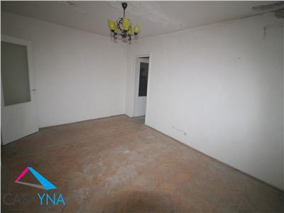 Apartament 2 camere semidecomandate, zona Mioritei