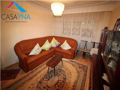 Apartament 2 camere semidecomandate, zona Piata Sud
